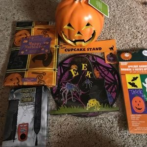 Bundle Halloween Decor & Tablecloth NWT
